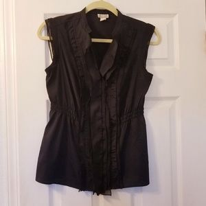 Ruffle top with fitted, stretchy waist